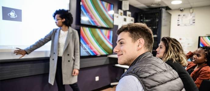 Le Learning Lab symbolise les innovations pédagogiques permanentes mises en œuvre par le Groupe IGS.